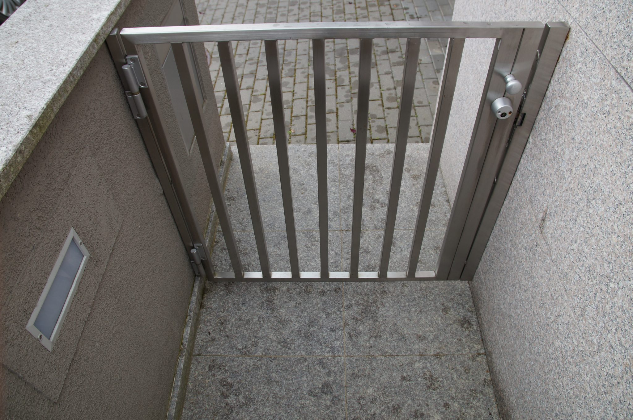 stainless steel gates and fencing in london inox city ltd. Black Bedroom Furniture Sets. Home Design Ideas