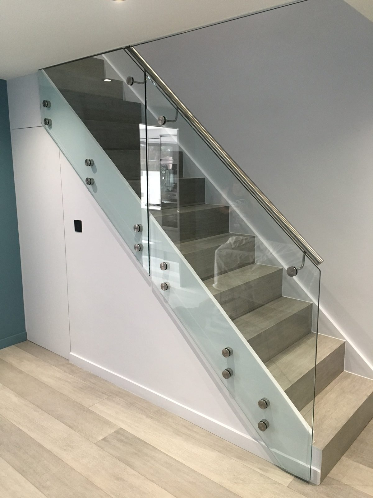 frameless glass balustrades in london inox city ltd. Black Bedroom Furniture Sets. Home Design Ideas